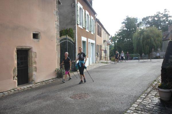 marche-verneuil-157C93E26E-351F-C058-2888-CEECC8F1374D.jpg