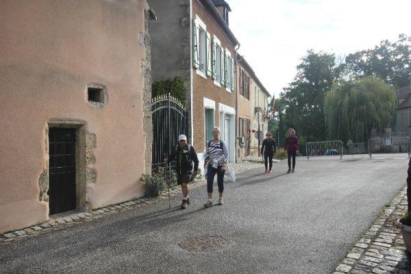 marche-verneuil-1666B2FD20-06AE-69BF-045F-94A0AD9C1397.jpg
