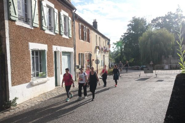 marche-verneuil-1970359469-3155-E279-A643-9C10A929CDF4.jpg