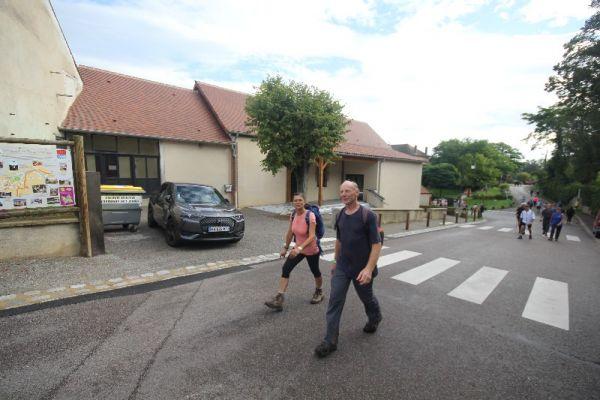 marche-verneuil-76F56AC601-B376-1EB8-B0B6-428EBFA91599.jpg