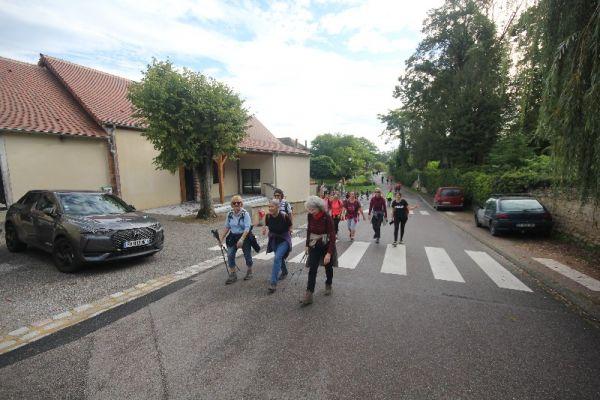 marche-verneuil-8212D872FF-3EDF-DE48-3651-05A941C10A5F.jpg